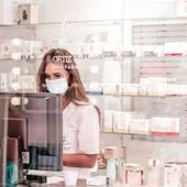 🤍 𝐄𝐋 𝐅𝐔𝐓𝐔𝐑𝐎 𝐄𝐍 𝐍𝐔𝐄𝐒𝐓𝐑𝐀 𝐏𝐑𝐎𝐅𝐄𝐒𝐈Ó𝐍 𝐄𝐒 𝐋𝐀 𝐅𝐀𝐑𝐌𝐀𝐂𝐈𝐀 𝐐𝐔𝐄 𝐀𝐂𝐎𝐍𝐒𝐄𝐉𝐀. . 👩🏻⚕️ El camino, formarse continuamente. . 👩🏼⚕️ Evolucionamos y poco a poco estamos creando un ecosistema de marcas que nos gustan, muchas novedades en breve! . 👩🏼⚕️Nunca dejamos de aprender, y lo que nos queda! . 👩🏽⚕️Recomendamos con honestidad y poniendo el foco en tu salud. _______________ #consejofarmaceutico #consejos #farmaciaasistencial #farmaciadeoruña #farmaciaortizriancho #farmaciasdepielagos #arce #oruña #pielagos #buenconsejo